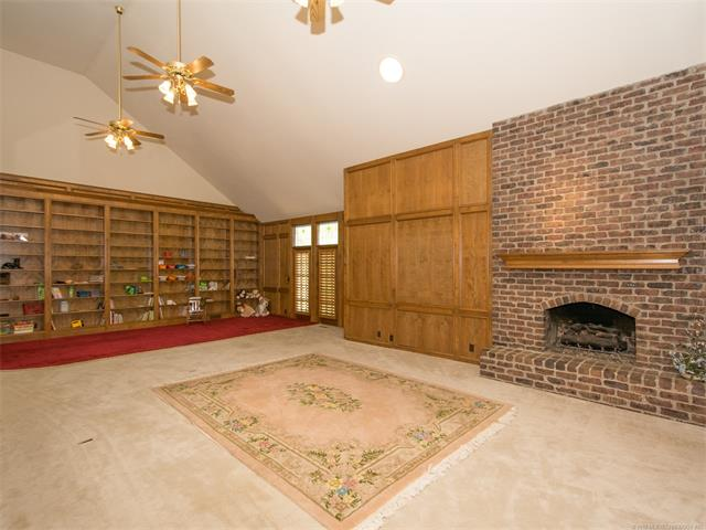Country French, House - Sand Springs, OK (photo 5)