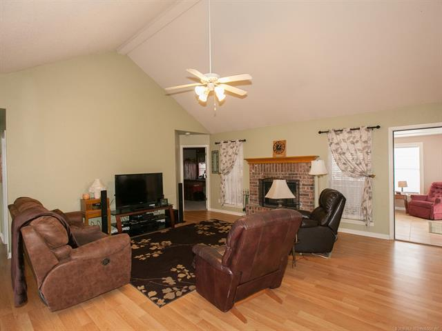Country French, House - Collinsville, OK (photo 5)