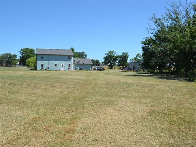 Colonial, House - Claremore, OK (photo 4)