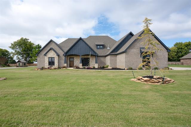 Craftsman, House - Claremore, OK (photo 1)