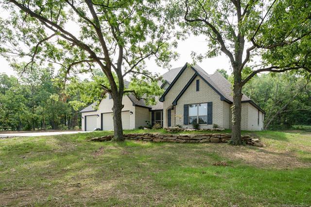 Craftsman, House - Claremore, OK (photo 2)