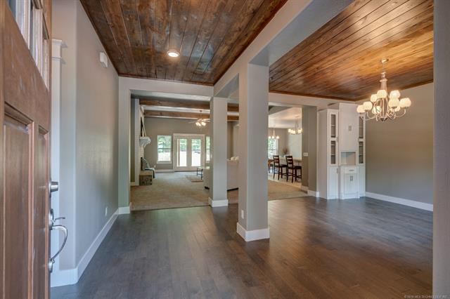 Craftsman, House - Claremore, OK (photo 4)