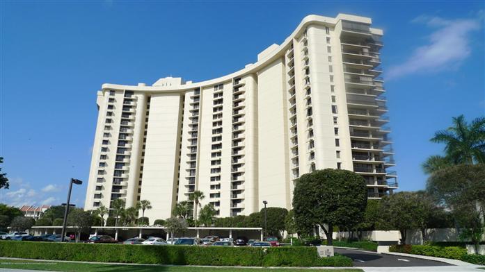 2480 Presidential Way 203, West Palm Beach, FL - USA (photo 1)