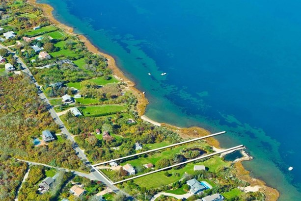 42 Old West Lake, Montauk, NY - USA (photo 1)