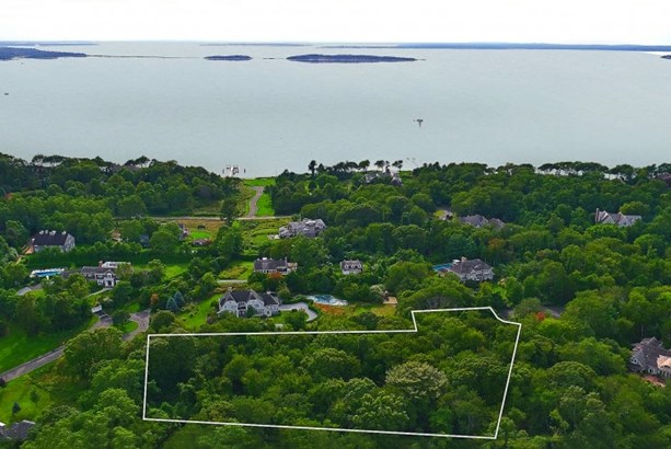 7 Gleason Court, North Haven, NY - USA (photo 1)
