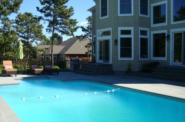 140 Maggie Drive, East Quogue, NY - USA (photo 1)
