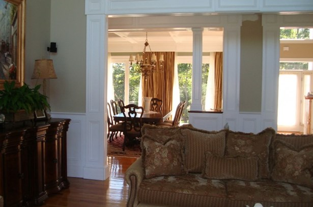 140 Maggie Drive, East Quogue, NY - USA (photo 3)