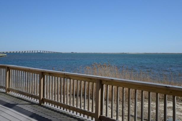 3 Nautilus Ct, Hampton Bays, NY - USA (photo 1)