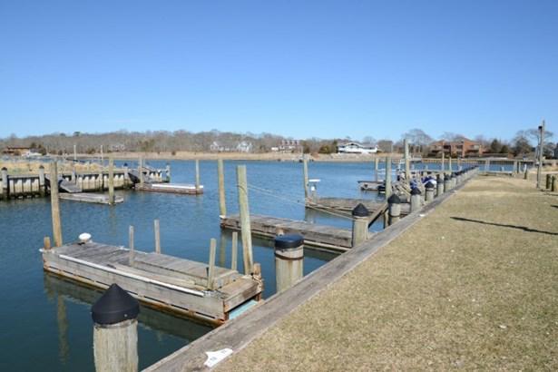 3 Nautilus Ct, Hampton Bays, NY - USA (photo 3)