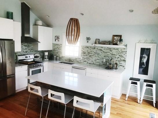 180 Washington Heights Av, Hampton Bays, NY - USA (photo 4)