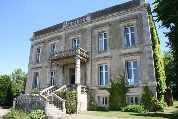 Fontenay-le-comte - FRA (photo 2)