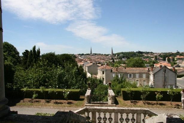 Fontenay-le-comte - FRA (photo 3)