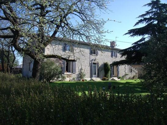 Coulonges Sur L'autize - FRA (photo 1)