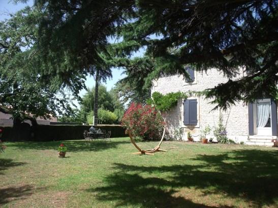 Coulonges Sur L'autize - FRA (photo 3)