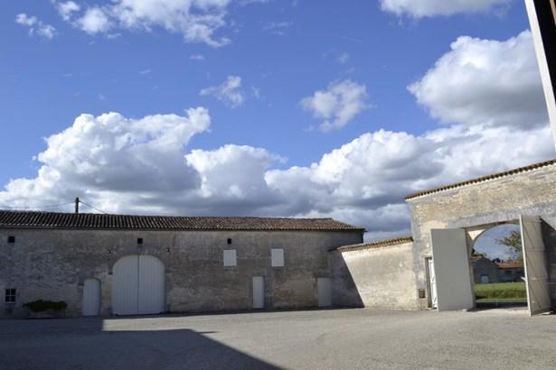 Jarnac - FRA (photo 2)