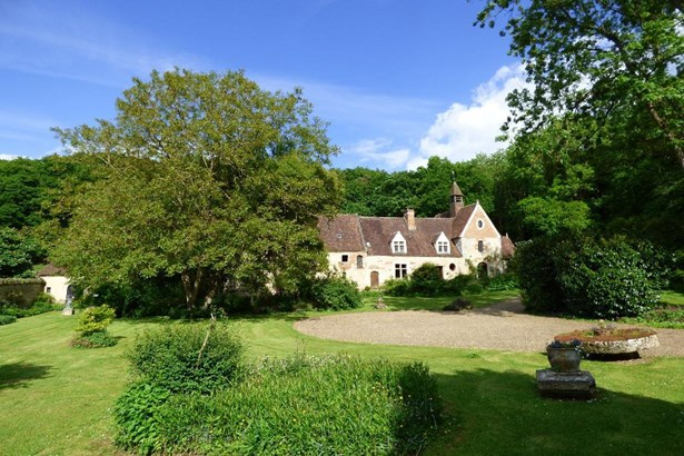 Beauvais - FRA (photo 2)