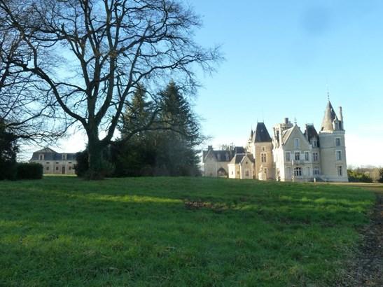 Charente - FRA (photo 1)