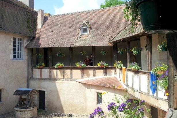Ebreuil - FRA (photo 5)