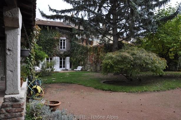 Montluel - FRA (photo 1)