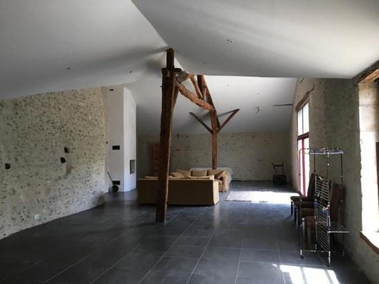 Bonneuil-matours - FRA (photo 5)