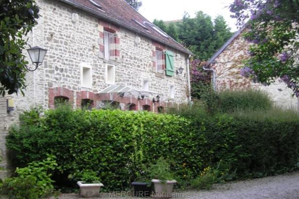 Saint Pierre Du Mont - FRA (photo 3)