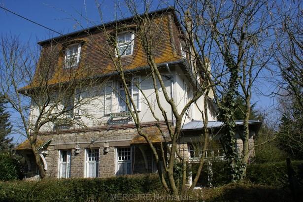 Saint Pierre Du Mont - FRA (photo 4)