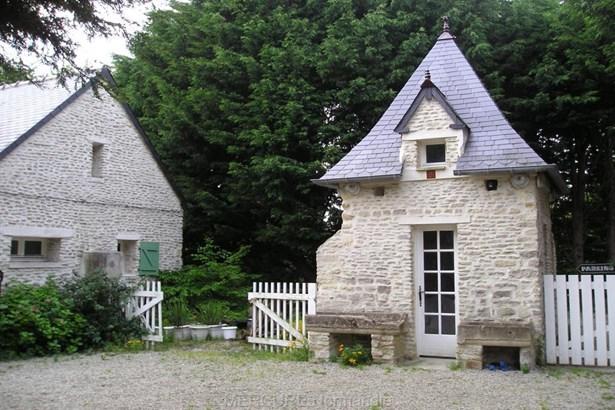 Saint Pierre Du Mont - FRA (photo 5)
