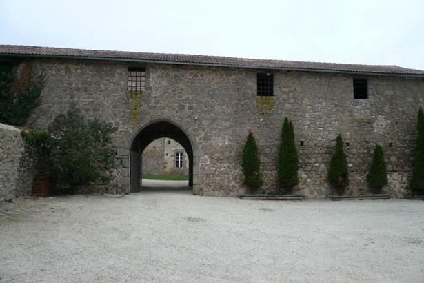 Bressuire - FRA (photo 2)
