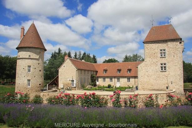 Montlucon - FRA (photo 2)