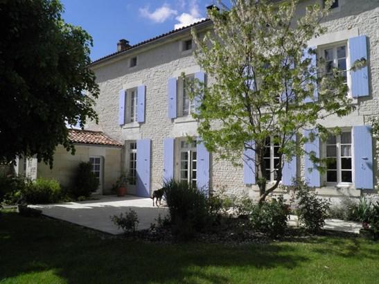 Barbezieux - FRA (photo 3)