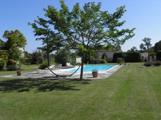 Barbezieux - FRA (photo 4)