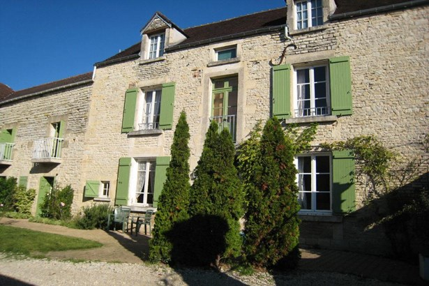 Ancy Le Franc - FRA (photo 1)