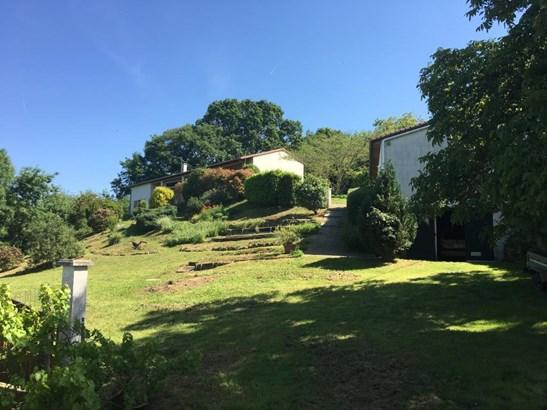 Aslonnes - FRA (photo 1)
