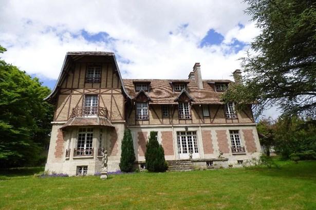 Villers Cotterets - FRA (photo 1)