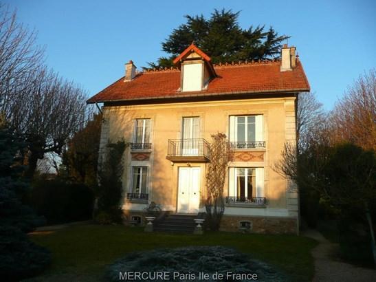 Mandres-les-roses - FRA (photo 1)