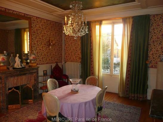 Mandres-les-roses - FRA (photo 3)