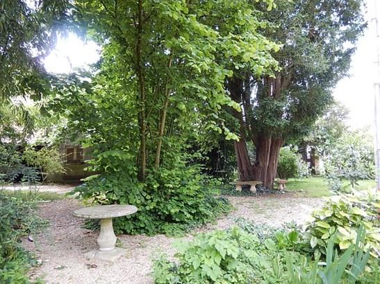 Champdeniers Saint Denis - FRA (photo 3)