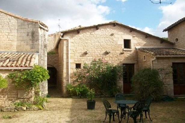 Saint Maxire - FRA (photo 1)