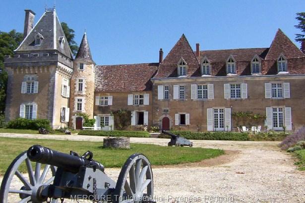 Saint-jean-de-côle - FRA (photo 2)