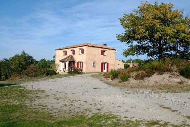 Montguyon - FRA (photo 2)