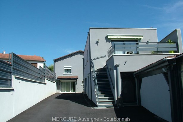 Longues - FRA (photo 1)