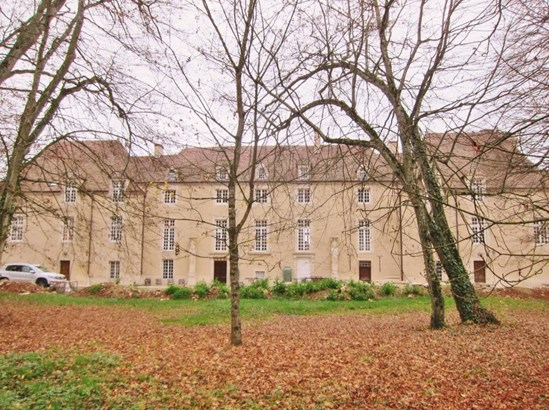 Montbard - FRA (photo 4)