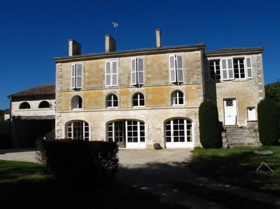 Niort - FRA (photo 2)