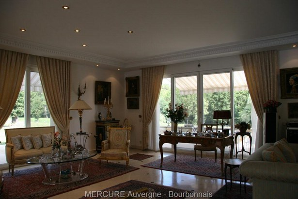 Neussargues - FRA (photo 4)