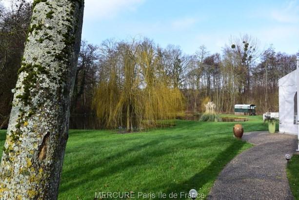 Magny-en-vexin - FRA (photo 2)