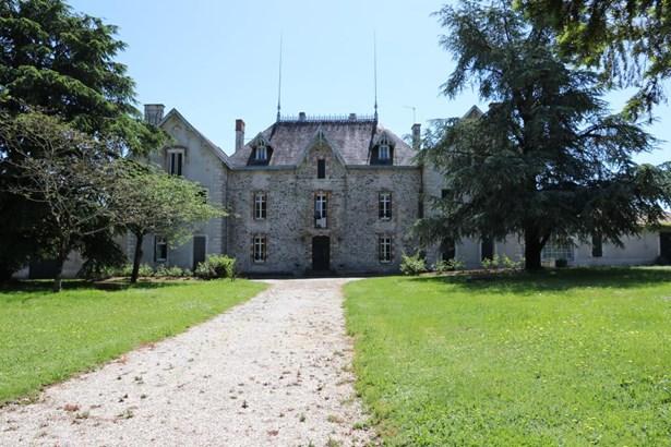 Secondigny - FRA (photo 1)