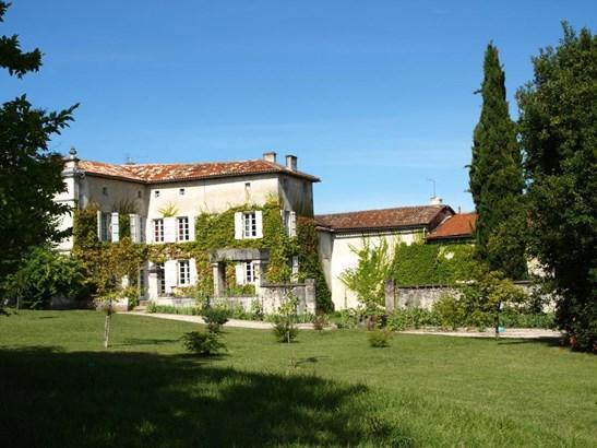 Angouleme - FRA (photo 1)