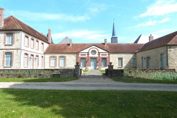 Montmirail - FRA (photo 1)