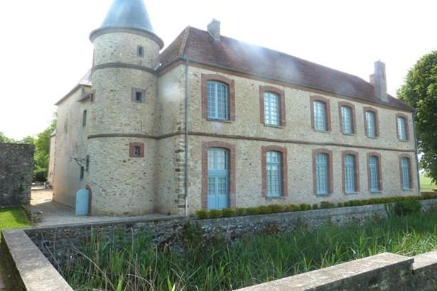 Montmirail - FRA (photo 2)