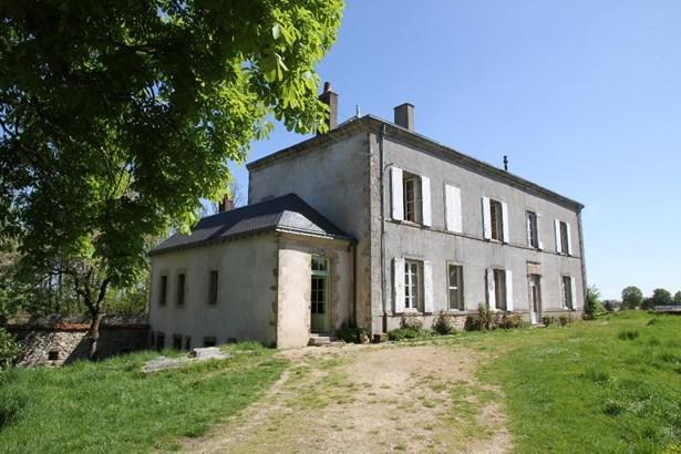 Entre Cholet Et Bressuire - FRA (photo 1)